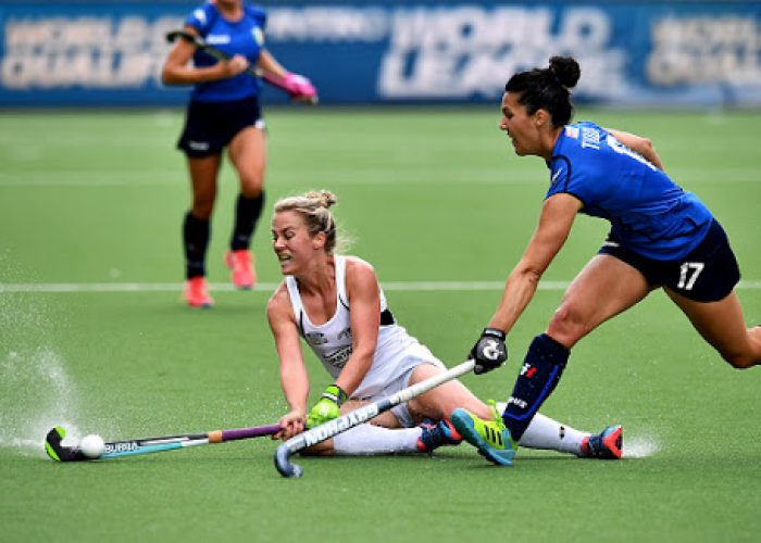 BRUSSELS, BELGIUM - JUNE 29: Erin Goad (L) of New Zealand and Chiara Tiddi (R) of Italy during the Fintro Hockey World League Semi-Final quarter final playoff game between New Zealand and Italy on June 29, 2017 in Brussels, Belgium. (Photo by Charles McQuillan/Getty Images for FIH)
